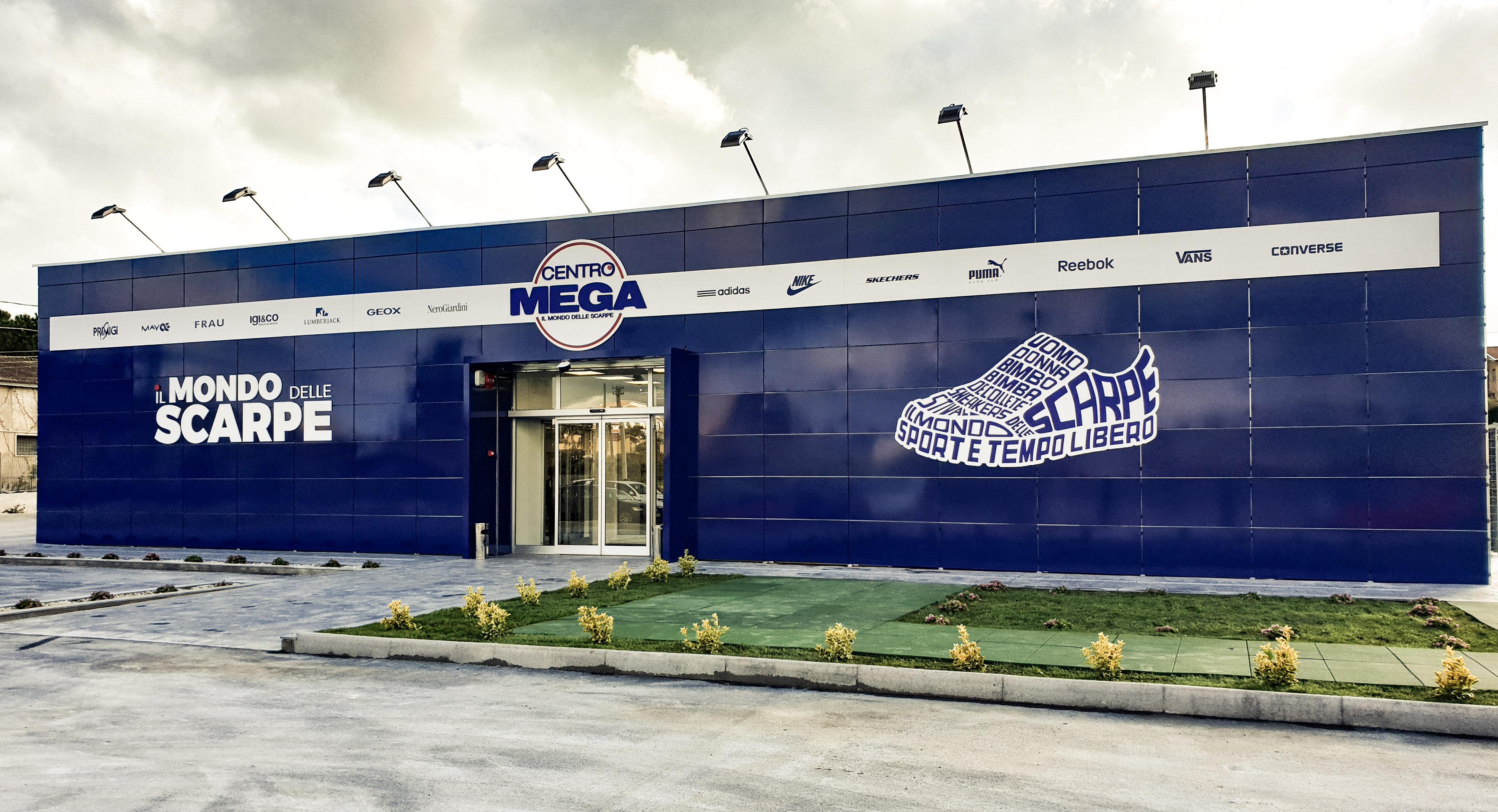 Centro mega il mondo delle scarpe for Centro ingrosso arredamenti di firma